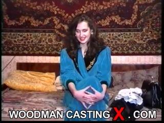 Русская женщина из 90-ых на кастинге Вудмана
